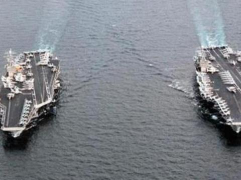 俄大批战舰实弹演习!特种部队强行登舰扣押,对美双航母严肃警告