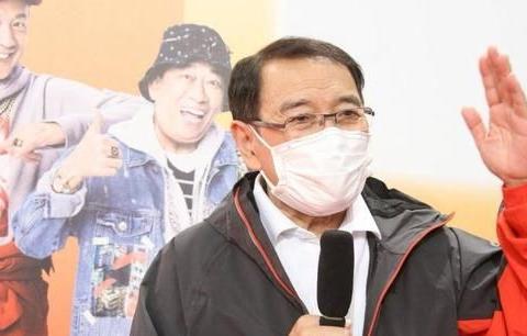 TVB老戏骨曾在颁奖典礼上戴余文乐同款手表 获网友大赞潮流大叔