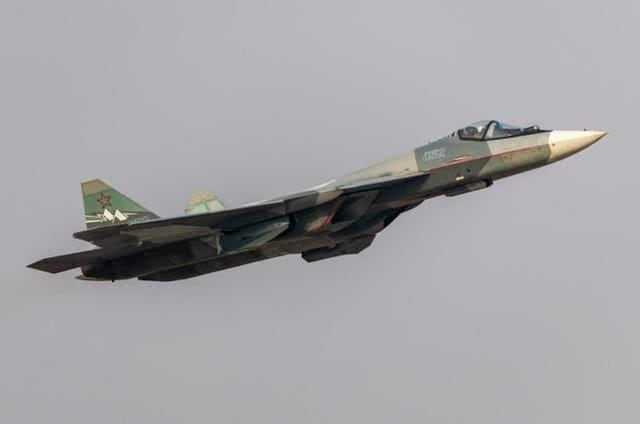歼-20迎来最强战力!心脏病问题解决有望 不过这是俄罗斯一诱饵