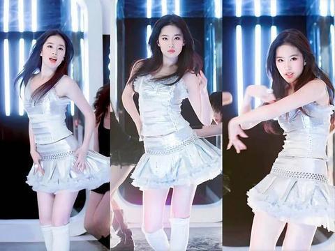被刘亦菲骗了好多年,神仙姐姐颜值高身材更绝,胸大腰细腿还白