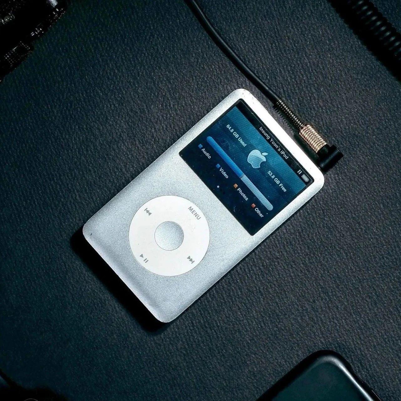 都2020年了,为什么他们还在用 iPod 听歌?