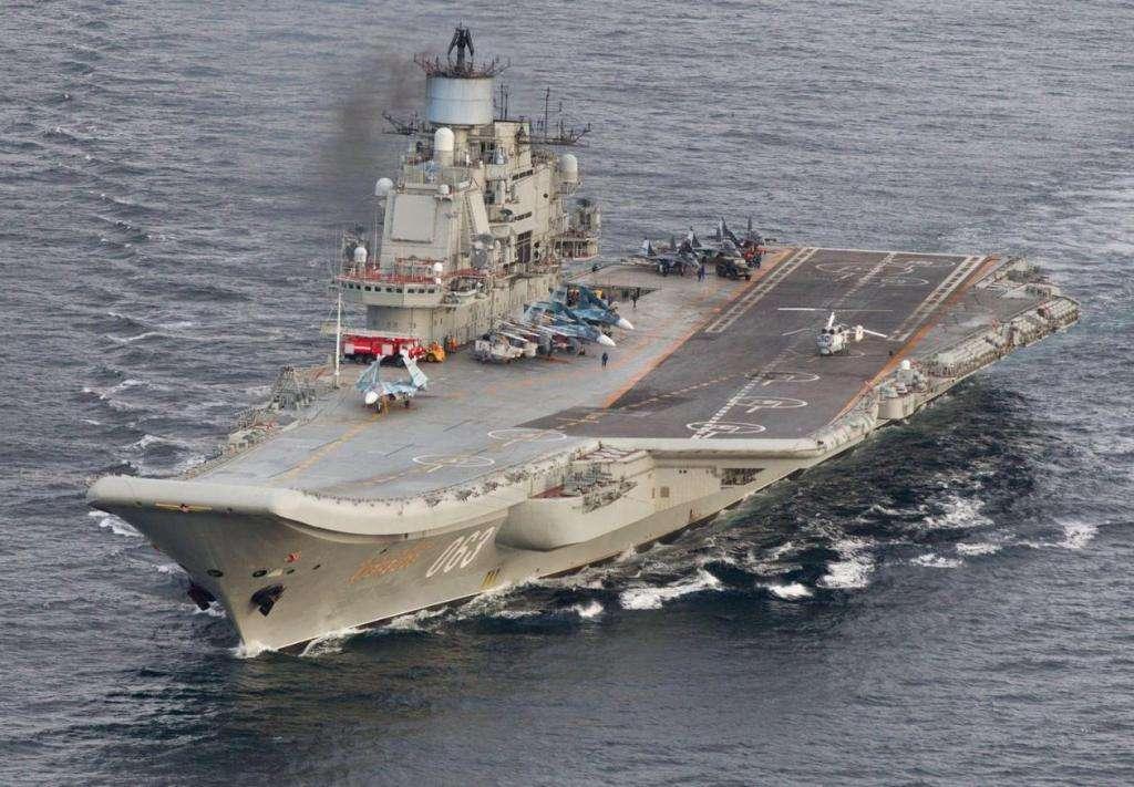 """""""库兹涅佐夫""""号全面升级,将两个船坞打通连接,新战机有地方了"""