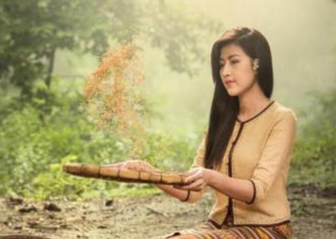 柬埔寨美女来中国打工,第1次发工资时哭了:我要回国