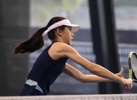田亮女儿手臂线条上热搜,爱运动和不爱运动的孩子到底差在哪?