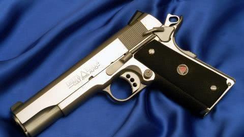 经典名枪M1911A1重焕新春 柯尔特三角精英手枪