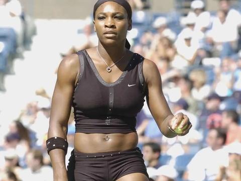 网球裙公开赛丨个性、力量与狂野,大小威引领时尚与运动美