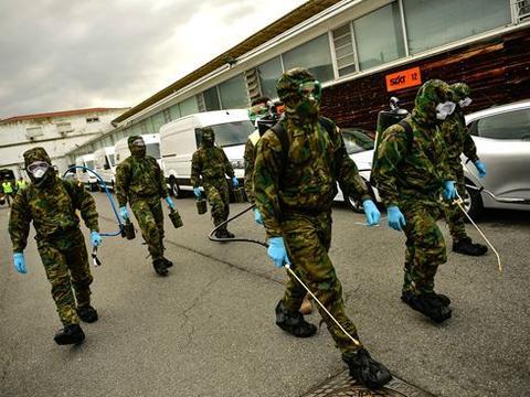 西班牙军队协助抗疫 军人发现养老院患者陈尸床上