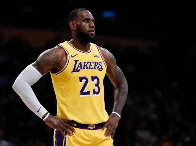 NBA生涯7次完成压哨绝杀,联盟历史仅5人,现役只有詹姆斯