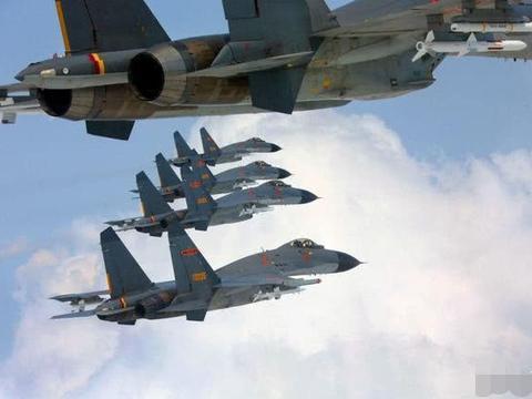 歼-11越线有何深意?F-16紧急战备检验 美军侦察机也来偷窥