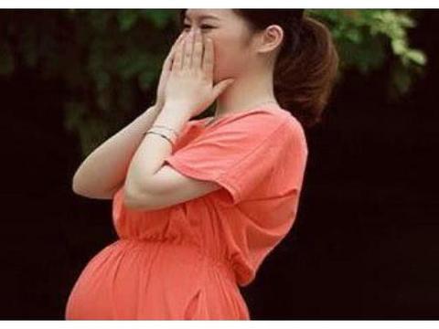 孕期宝宝并不是无忧无虑,宝宝也有自己的小情绪,孕妈别不在意