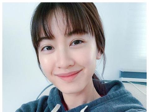 朱千雪响应政府号召宅在家 新发型却意外成焦点 网民大赞可爱