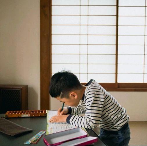 请告诉孩子:不读书,换来的是一生的底层