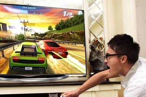 家庭大液晶电视怎么玩游戏,只需一个手柄,让你家瞬间成游戏厅!
