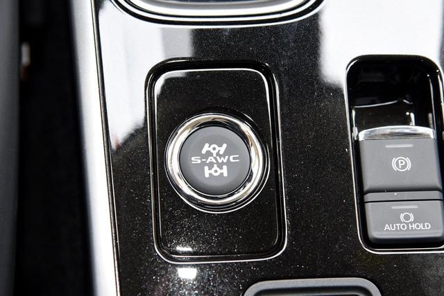 只是简单的换装了国六?三菱欧蓝德新增车型是否值得买