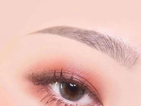 心理测试:下面哪个眼妆最漂亮,测你的另一半看中的是你哪一点!