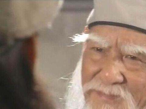 天龙八部中可能超越扫地僧的人,比乔峰三兄弟强了不止一筹!