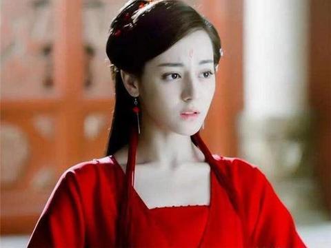 来自新疆的四大美女明星,前三位红成一线巨星,唯独她为了爱情