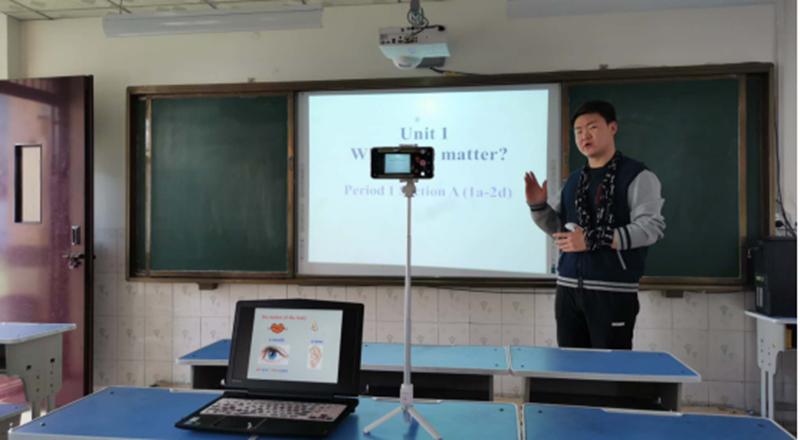 """这就是中国范儿!90后教师制英文版战""""疫""""短片国内外引反响"""
