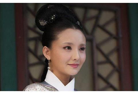 甄嬛传:剧中的槿汐姑姑,台前台后大不相同,不仔细辨认都看不出