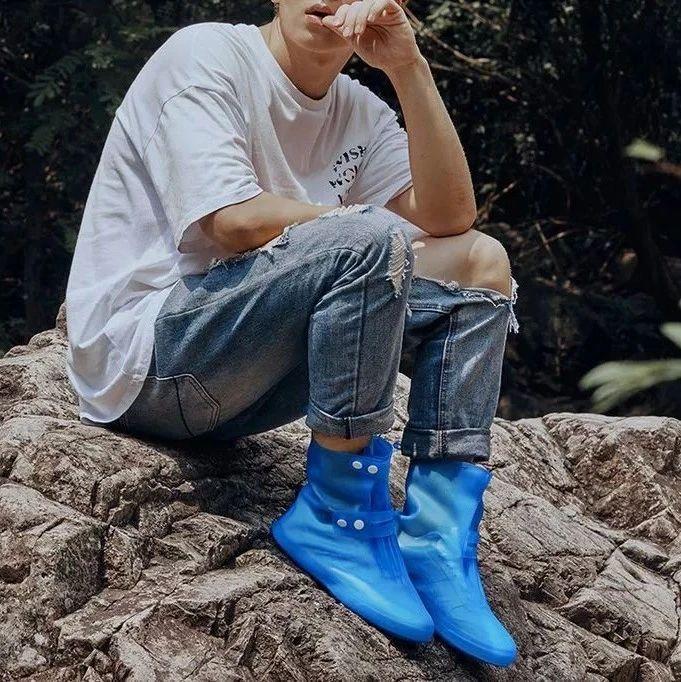 雨中暴走都不湿!「护鞋神器」一冲即净,保护爱鞋,不湿脚