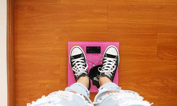 靠轻断食瘦了10多斤:适当挨饿好处多,科学减脂,为身心减负