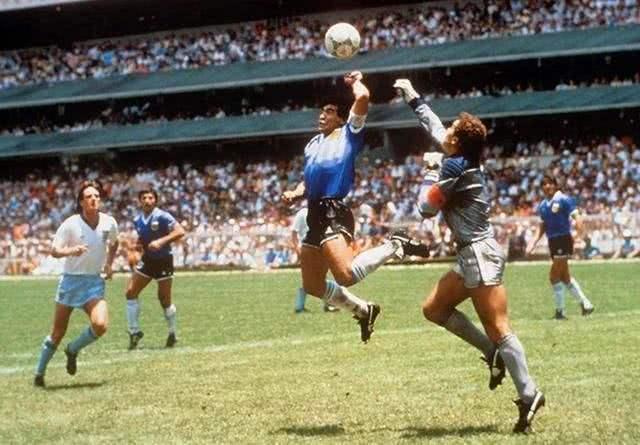 马拉多纳在94年世界杯吃兴奋剂了?怪不得国足出征要带5星级厨师