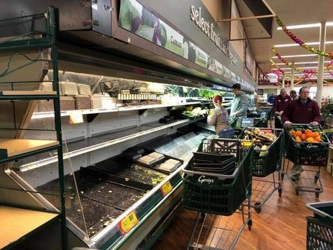 大妈进超市狂咳嗽:我有新冠肺炎!顾客吓傻25万商品紧急扔掉
