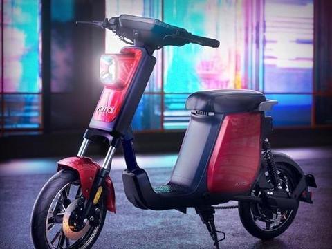 小米推出全新智能电动车70迈A1,自带行车记录仪,售价2999元起!