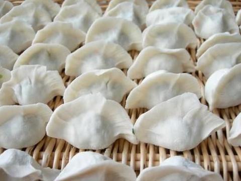 饺子好吃是有技巧地,让喜福湾水饺来告诉你怎么擀饺子皮