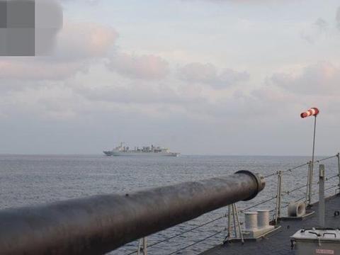 印度反潜机飞越091远洋补给舰,054A护卫舰和巴铁海军战舰遭监视