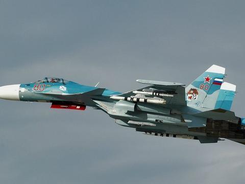 """""""飞鲨""""砺翅!多架歼15在辽宁舰上展开训练,我军软实力巨大提升"""