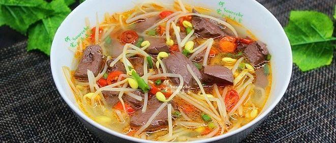 猪血汤家常做法,鲜美好喝,清肺润燥,气候干燥时来一碗!