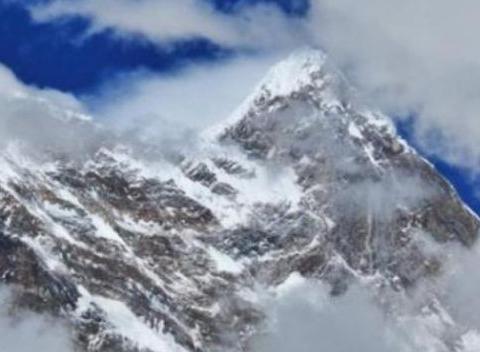 """喜马拉雅山冰雪融化后,湖中的一幕令人难以相信,真""""出事""""了"""