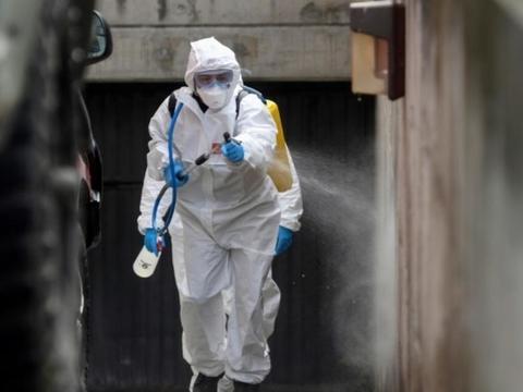 西班牙新冠肺炎单日增832死 创新高纪录