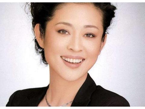 和倪萍同居6年的陈凯歌,为何刚分手就转头娶了陈红?