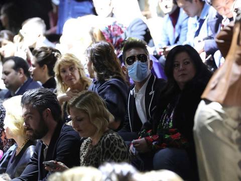 受疫情影响 原定于6月举行的巴黎时装周将被取消