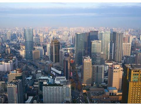 中国最像的两个省会城市,同为一线城市,连GDP占比几乎都一样