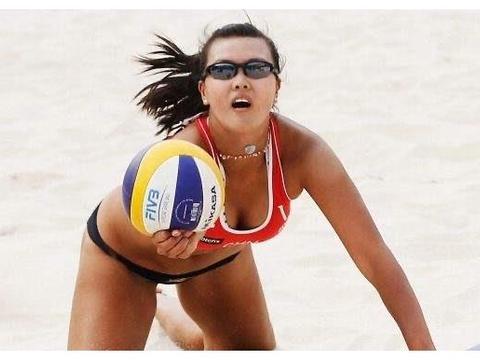 美女穿比基尼比赛,沙滩排球不香吗?为何关注度远不如室内排球?