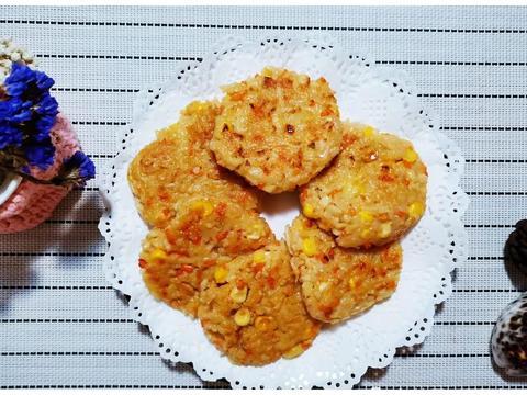 剩饭的好吃做法,材料1拌1煎,秒变酥饼,外酥内糯,小孩最爱