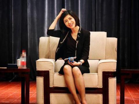 中国外交部4大美女翻译官,个个女神范十足,生活照更让人动心!