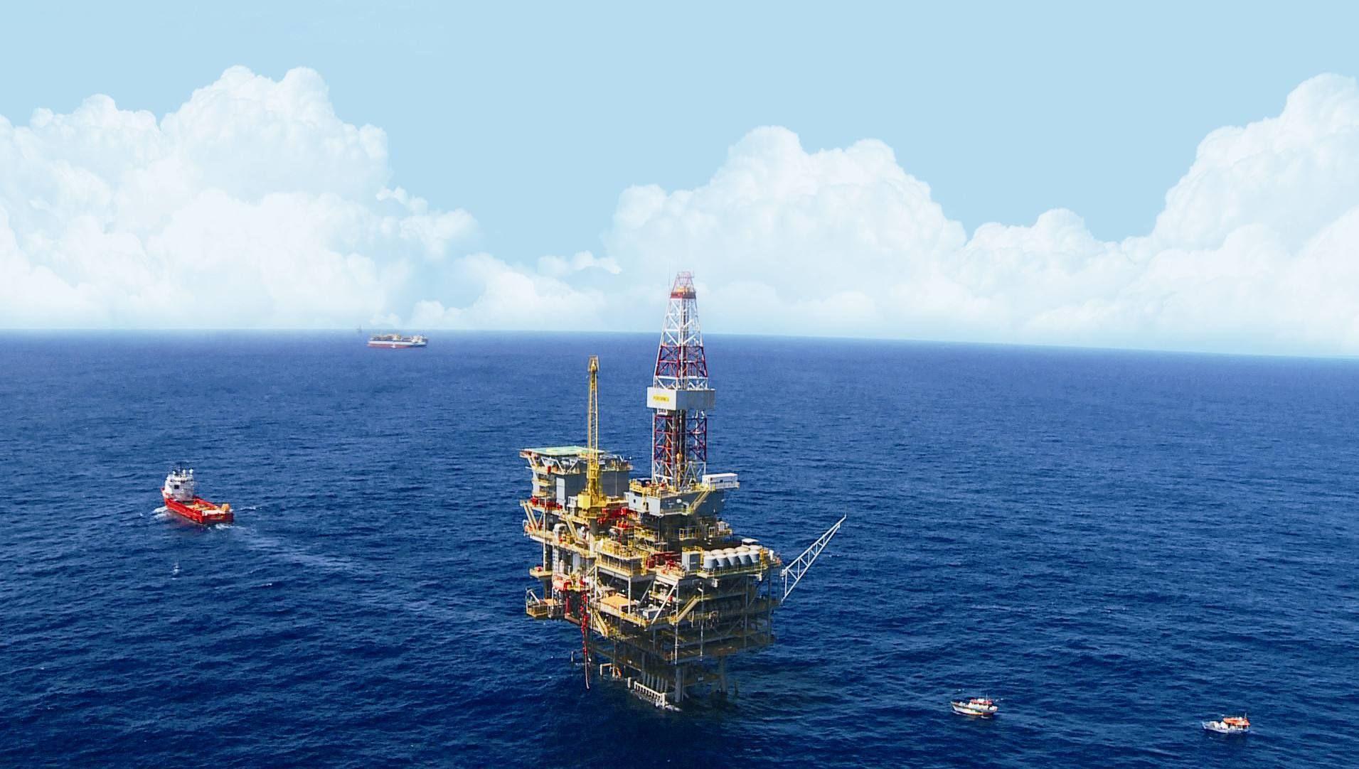 双商机来了!中国84艘巨型油轮直扑中东,美国到时只能高价借租