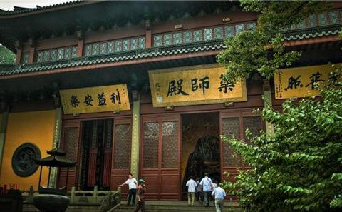 灵隐寺有一副对联,悬挂了1700年,点醒无数世人
