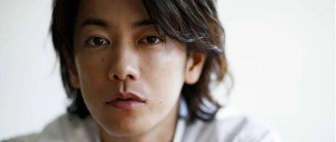 佐藤健和阿部宽时隔10年再度共演电影 嫌疑人和警察