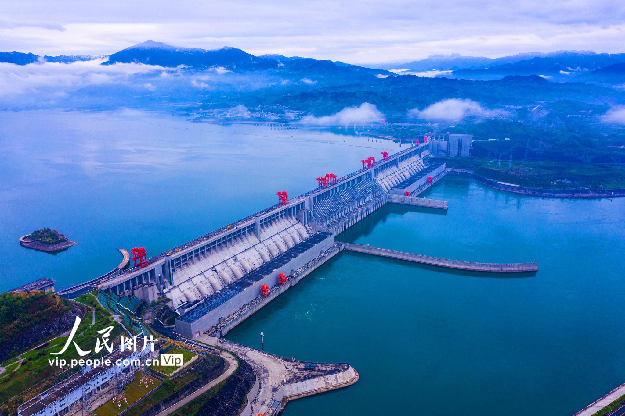 三峡水库向长江中下游补水100亿立方米