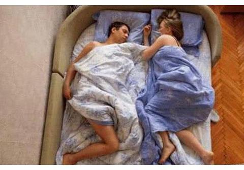 为了不影响胎宝,孕妈都是怎么睡觉的?三张图带你感受一下,心疼