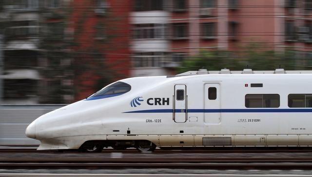 """广东打造的高铁线,途经5大城市,是国家""""八纵八横""""高速铁路网"""