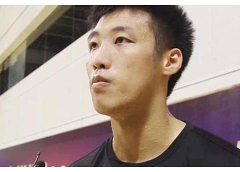 他是中国篮球奇才,却选择加入日本国籍,面对记者坦言只想赢中国