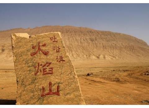 """中国最""""尴尬""""的铜像,重点部位被摸到掉漆,女游客都红了脸!"""