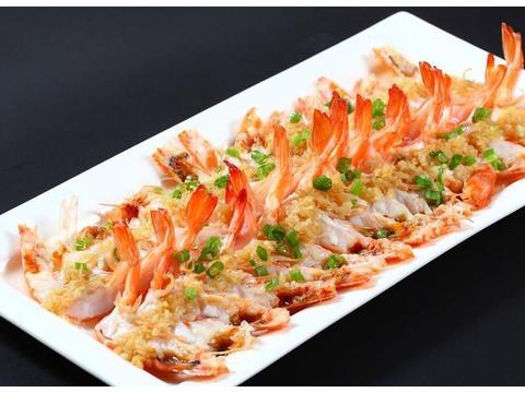做蒜蓉粉丝虾有两个窍门,掌握后厨房新手也能做出美味鲜嫩的大虾