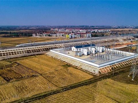 从北京到广州要走2000多公里,高铁行驶能费多少电呢?你清楚吗?